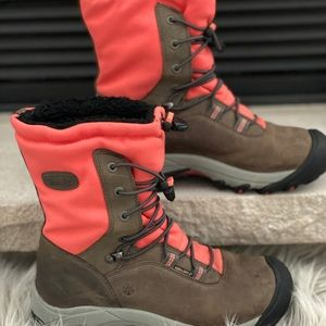 KEENS Women's Snow Boots, Size 7.5